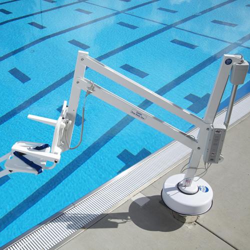 Splash pool side hoist extended
